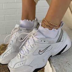 Outfit Grunge outfits 2020 summer ideas casuales for summer invierno outfits outfits Sneakers Mode, Air Max Sneakers, Sneakers Fashion, Shoes Sneakers, Zapatillas Nike Jordan, Nike Huarache, Aesthetic Shoes, Aesthetic Outfit, Hype Shoes