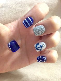 Perfect cruise nails!