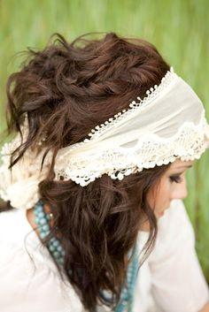 Hair and headpiece... So cute!