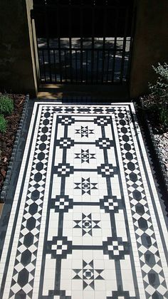 intricate victorian mosaic tile path in black and white islington london Porch Tile, Patio Tiles, Outdoor Tiles, Cement Tiles, Victorian Mosaic Tile, Victorian Bathroom, Exterior Design, Interior And Exterior, Tiled Hallway