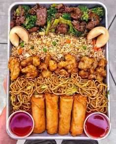 This SUPER BOWL SIZED TRAY is loaded with Thai chili wings, salt & pepper wings, soy garlic wings, and sesame chicken wings, nachos &… food platters I Love Food, Good Food, Yummy Food, Tasty, Junk Food Snacks, Food Platters, Food Goals, Aesthetic Food, Food Cravings