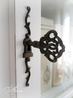 old key ornate escutcheon vintage lock and key decorative brass escutcheon Old Door Knobs, Door Knobs And Knockers, Knobs And Handles, Door Handles, Under Lock And Key, Key Lock, Antique Keys, Vintage Keys, Old Keys