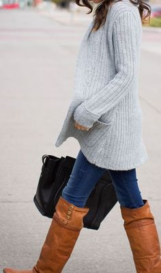 Street style | Grey cardigan, denim and brown knee boots