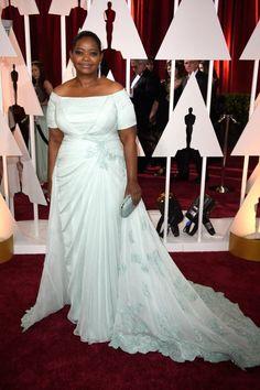 Oscars 2015 Las Mejor Vestidas: Octavia Spencer en Tadashi Shoji  Un vestido elegante azul