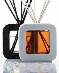 Perfetta idea regalo! Home Scents, Packaging Design, Fragrance, Perfume, Mugs, Tableware, Google Search, Diffuser, Dinnerware