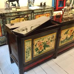 Restored Chinese Antique Hand Painted High Lacquer converted Rice Trunk.  #interiordesign #chinesefurniture #chineseantiquefurniture #antiquefurniture #homeinteriors #chineseantiques #chineseornaments #nookdeco #nookdecofurniture #uniquefurniture #handmade #asianfurniture #restoredfurniture #vintagefurniture #cliftonarcade #thecliftonarcade #bristolfurniture #bristolinteriordesign #bristolantiques #bristol #boutiquefurniture #boutiqueshop #boutiqueshopping #bristolboutique #bronzesculpure…