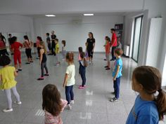 Scoala de dans si timpul liber al copiilor nostri. Merita sa investim? Liberia