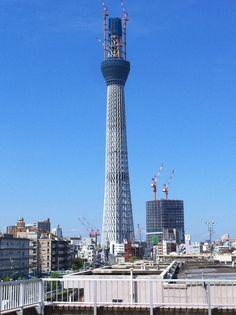 Tokyo skytree under construction