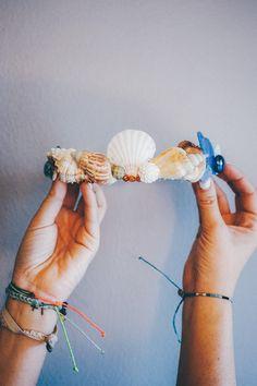 DIY Mermaid crown!!! Check out the easy DIY on the Blog NOW -->> http://blog.puravidabracelets.com/mermaid-crown-diy