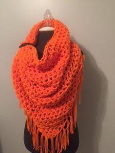Bufanda de Triagnle grueso naranja por SpenceAve en Etsy