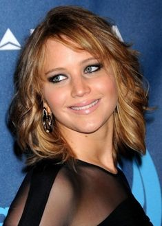 Top 100 Hairstyles for Round Faces   herinterest.com Ok this might be my favorite so far - no bangs but lots of layers!