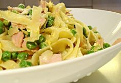 Taglietelle pápai módra   NOSALTY Macaroni And Cheese, Spaghetti, Ethnic Recipes, Mac And Cheese, Noodle