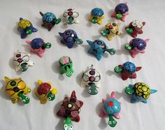 Lot of 20 Assorted Bobble Head Turtles Various Colors