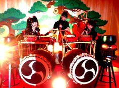 Vixen in English for Lady Fox. Japanese Girl Band, Moa Kikuchi, Band Group, Band Outfits, We Are The Ones, Best Friend Pictures, Girl Bands, My Favorite Music, Metal Bands