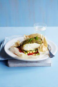 Calories per serving: 200 Find the recipe here: Pesto cod and veggie parcels Trying the diet? Give our 500 calorie meal plans a try Hcg Meal Plan, 500 Calorie Meal Plan, No Calorie Foods, Low Calorie Recipes, Hcg Diet Recipes, Veggie Recipes, Vegetarian Recipes, Healthy Recipes, Veggie Meals