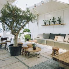 Hippie Fish, strandtent Zandvoort - Map of Joy Outdoor Garden Furniture, Home Furniture, Outdoor Decor, Furniture Storage, Modern Furniture, Modern Master Bathroom, Porche, Rustic Home Design, European Home Decor