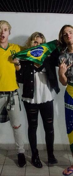 Rydel Lynch fashion : outfits for a live in Rio de Janeiro on Oct. 5 2014!