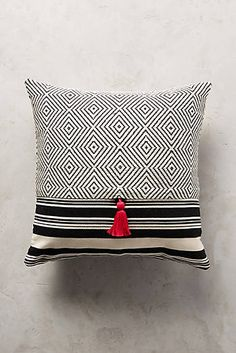 Mercado Global Comalapa Pillow