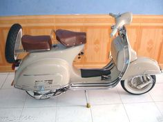 Vespa 1967. I need one of this...