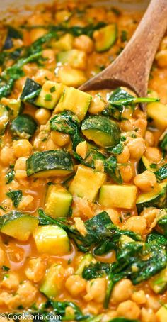 This Easy Zucchini Chickpea Curry is a deliciously simple vegan dish. Your whole family will love this flavorful and versatile one-pot meal. FOLLOW Cooktoria for more deliciousness! #chickpea #zucchini #vegan #plantbased #dinner #cooktoria