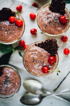 Sour Cherry Chia Pudding with Dark Chocolate Super Seed Crisps (Vegan, Gluten Free) (Will Frolic for Food) Healthy Dessert Recipes, Gluten Free Desserts, Healthy Treats, Healthy Deserts, Vegan Treats, Paleo Dessert, Paleo Recipes, Free Recipes, Healthy Food