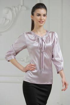 Bluza cu funda Silk Satin Dress, Satin Dresses, Satin Blouses, Shirt Blouses, Beautiful Blouses, Blouse Outfit, Silk Top, Nice Tops, Sport Outfits