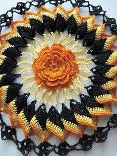 ~ Trick or Treat ~ crochet doily Crochet Dollies, Crochet Potholders, Crochet Stitches Patterns, Thread Crochet, Crochet Motif, Crochet Yarn, Crochet Flowers, Knitting Patterns, Halloween Crochet