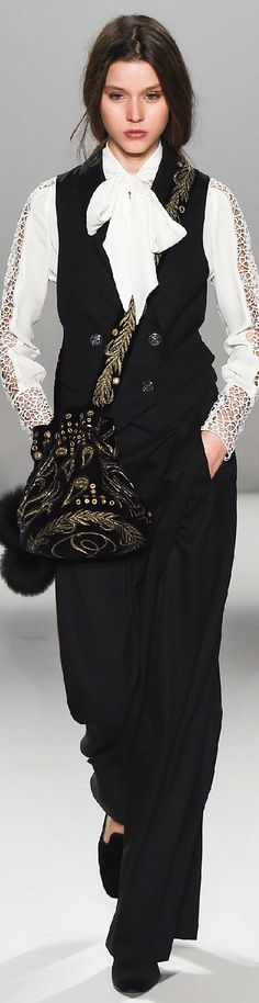 Fall 2015 Ready-to-Wear Temperley London