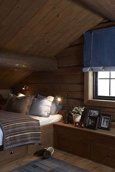Living at Mountain Lodge Trysil Chalet Interior, Interior Design, Building A Cabin, Building Homes, Cabin Loft, Attic Rooms, Log Homes, Cabin Homes, Cabin Interiors