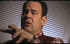 In this video Dan Akyroyd describes how his SciFI television series 'Out There' (about UFOs and abductions) was abruptly cancelled - without explanation - only hours after his bizarre encounter with a menacing looking man Aliens On The Moon, Aliens And Ufos, Ancient Aliens, Black Eyed Kids, Star Fi, Evidence Of Aliens, Amazing Science Experiments, Alien Videos, Secret Space Program