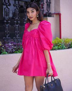 #streetstyle #summer #2020 #zara #juhigodambe Zara Outfit, Iranian Women Fashion, Street Style Summer, Zara Dresses, Outfit Posts, Dress Up, Indian Summer, Summer Dresses, Fasion