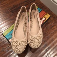 HP 1/3Zigi soho flats Zigisoho Charlene ballet flats. Brand new with box. Only worn in store and around the house. Sold out in stores and online! Zigi Soho Shoes Flats & Loafers