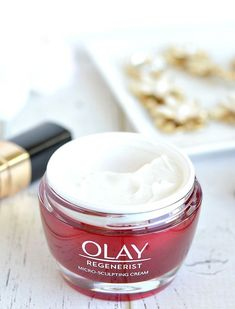 Soft, smooth and supple skin shouldn't be a luxury and @OlayUS Regenerist Micro-Sculpting Cream proves that! This drugstore favorite anti-aging moisturizer outperforms 10 top expensive creams, including one with a $440 price tag! Give it a try now and streamline your skincare routine down to one effective anti-aging + hydrating cream that's only $26.99! #antiagingmoisturizer