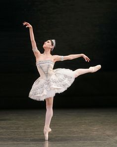 Paloma Herrera in Ballet Imperial.© Rosalie O'Connor. (Click image for larger version)