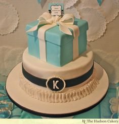 Tiffany & Co. Box Cake on top of a frilly round cake with the bride's initial monogrammed on the front. Ruffles, bow, box, all of it is edible. Wedding Shower Cakes, Baby Shower Cakes, Wedding Cakes, Wedding Showers, Wedding Decor, Wedding Ideas, Tiffany Blue Party, Tiffany Box, Tiffany Cakes