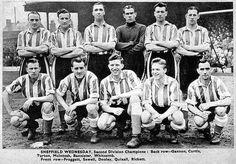 Sheffield Wednesday Football, Yorkshire England, Old Pictures, Football Players, Social Media Marketing, Owls, Anglia, Pinterest Marketing, Badges