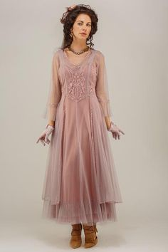 True Romance Nataya Vintage Style Wedding Dress in Mauve features a corset-style bodice that creates a flattering look Second Wedding Dresses, Informal Wedding Dresses, Vintage Style Wedding Dresses, Vintage Inspired Dresses, Wedding Dresses Plus Size, Vintage Dresses, Vintage Outfits, Vintage Fashion, Wedding Gowns