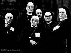 Nuns, Turin, 1978 Romano Cagnoni