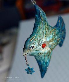 New Bird Paper Art Papier Mache 51 Ideas Polymer Clay Kunst, Polymer Clay Charms, Paper Mache Sculpture, Bird Sculpture, Bird Crafts, Clay Crafts, Clay Projects, Diy Bird Bath, Paper Toy