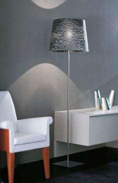 Dress - stojací lampa ve stříbrné barvě / floor lamp