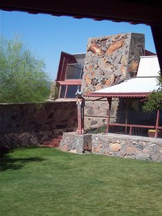Lawn - Taliesin West (Frank Lloyd Wright's Winter Home and Studio) / 12345 N. Residential Architecture, Amazing Architecture, Frank Lloyd Wright Buildings, Graveyard Shift, Usonian, Frank Gehry, Winter House, Arts And Crafts Movement, Wishful Thinking