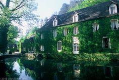 bluepueblo: River House, Aquitaine, France photo via cc Beautiful Buildings, Beautiful Homes, Beautiful Places, Amazing Places, You're Beautiful, Absolutely Gorgeous, Boho Home, France Photos, River House