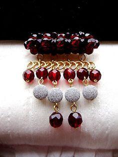 Vintage-Brosche-granatrote-boehmische-Glas-Perlen-Modeschmuck