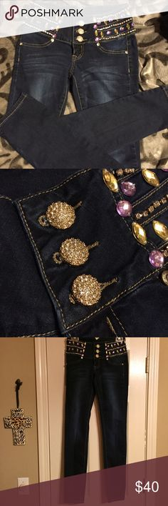 LA Idol Blinged out skinny jeans ✨✨✨Great jeans for any occasion.  Skinny jeans with some stretch.  Rhinestone embellishments.  Only 1 rhinestone missing and I had to really look to even make sure it was gone and in last pic small gold logo threads came undone on the right side.  The threads are still there and can be fixed or just removed, it's small no one would even notice with all the bling going on✨✨✨can take more pics if needed. Waist 28 length 31 1/2 From smoke free home L.A. Idol…