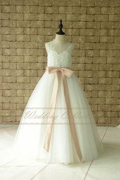 Elfenbein Lace Blumenmädchen Kleid Stock von Weddingcollection