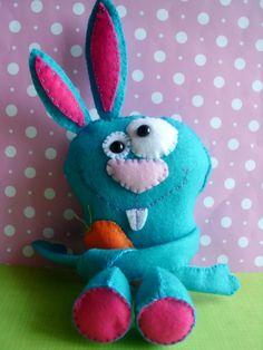 ✄ A Fondness for Felt ✄  DIY craft inspiration:  felt bunny
