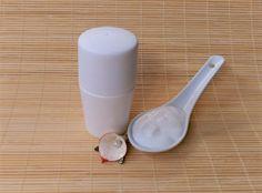 En la preparación de este desodorante hemos utilizado Cera Protelan ENS, porque hace unas texturas ligeras y además tiene la gran ventaja de que no hay que calentar la fase acuosa