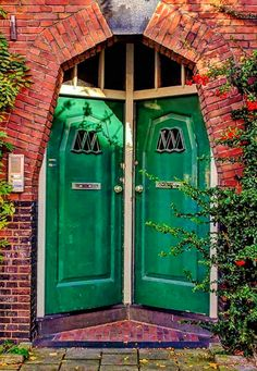 Green Front Doors in Amsterdam, Netherlands Porte Cochere, Cool Doors, Unique Doors, Entrance Doors, Doorway, Front Doors, Doors Galore, When One Door Closes, Door Gate