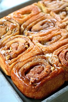 Healthy and Indulgent Meals Dangling in Front of You Best Sticky Bun Recipe, Pecan Sticky Buns, Sweet Roll Recipe, Amish Sticky Buns Recipe, Cinnamon Bun Recipe, Cinnamon Recipes, Cinnamon Rolls, Baker Recipes, Amish Recipes