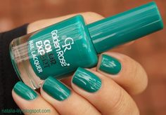 natalia-lily: Beauty Blog: GOLDEN ROSE Color Expert Nail Lacquer nr 55 - szmaragdowa nasycona zieleń trudna do uchwycenia na zdjęciach